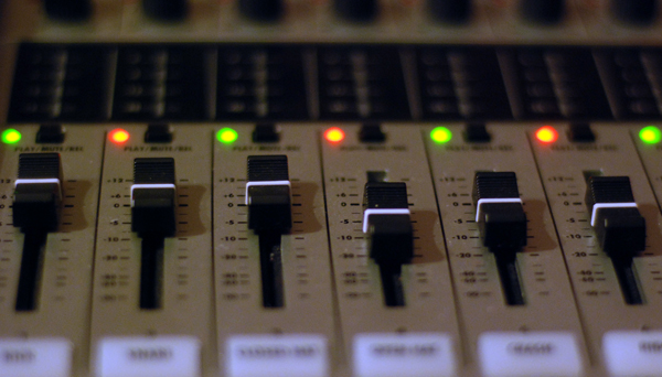 Zoom R24 Faders